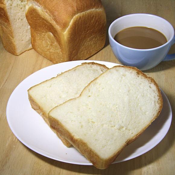 ミルクやさんのくぼちゃんパン!牧場絞りたて牛乳食パン