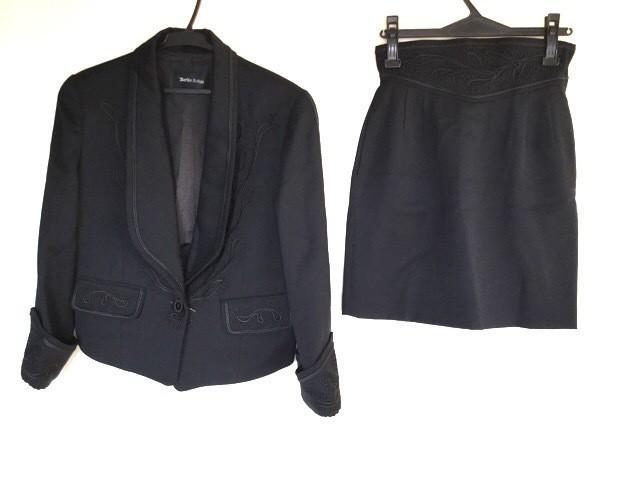 コーガマリコ MARIKO KOHGA スカートスーツ レディース 黒 刺繍【中古】