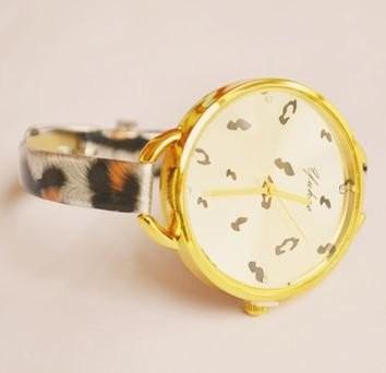 腕時計 豹柄 大きな文字盤 華奢ベルト (オレンジ)