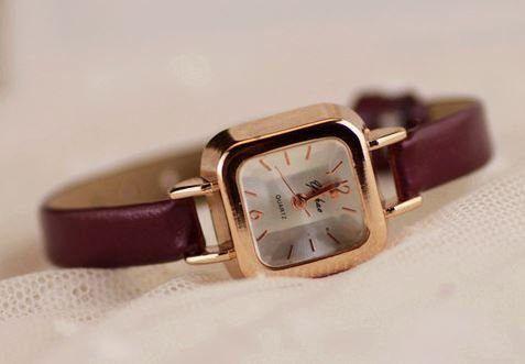 腕時計 クラシック 華奢バンド スクエア文字盤 (ブラウン)