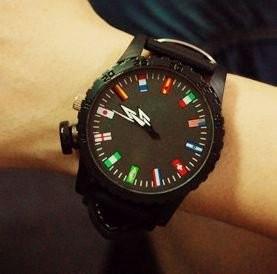 【お取り寄せ】腕時計 12ヶ国 国旗 大盤 文字盤 男女兼用 ブラック