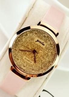 【お取り寄せ】腕時計 ゴージャス 金ラメ風 大きめ文字盤 (ライトピンク)