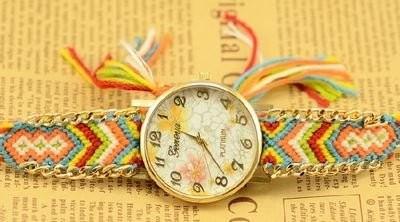 腕時計 エスニック風 花柄の文字盤 編み編みベルト (D)