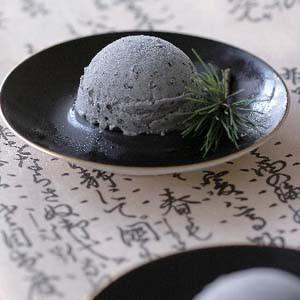 黒ごまアイスクリーム 2L 【業務用サイズ】【アイスクリーム】【スイーツ】(nh119877)