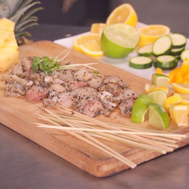 竹串付き味付けクロコダイルキューブ 150g 無添加 ワニ肉 ワニ串 ケバブ
