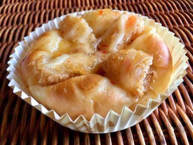 【エビカツチリマヨ】ふわふわやパンにエビカツのチリマヨかけの惣菜パン