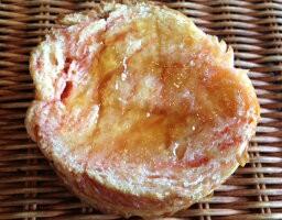 【あまおう苺のラウンドフレンチ】あまおうの苺ペーストを何層にも折り込みんだラウンド型パンをフレンチトーストに☆いちごの季節の期間