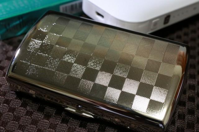 【PEARL】ブランドシガレットケース iQOS (アイコス)ヒートスティック専用 20本 シルバーチェック模様 銀 アイコスケース 人気 おしゃれ