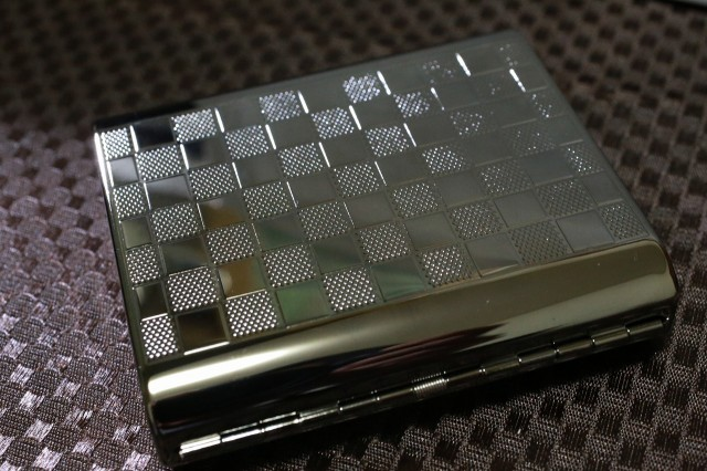 【PEARL】シガレットケース カジュアルメタル チェック模様 ブラック 人気 シガレットケース シンプル 売れ筋 おすすめ 煙草入れ