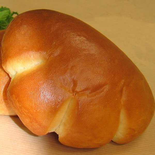 【クリームパン】手づくりのクレームパティシエールバニラビーンズを100%使用した本格カスタードクリーム。当店のロゴにもなった自慢の