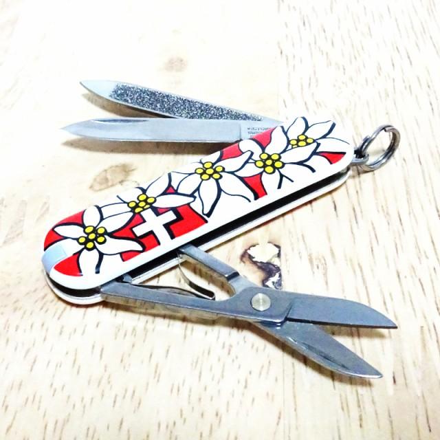 VICTORINOX ビクトリノックス マルチツール ナイフ クラシック エーデルワイス柄 小型 アウトドア レジャー 赤 十徳ナイフ 可愛い