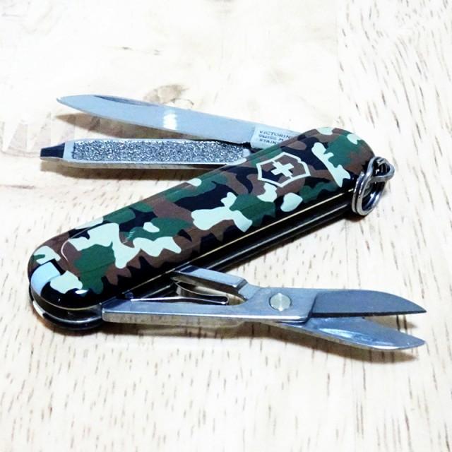 VICTORINOX ビクトリノックス マルチツール ナイフ クラシック カモフラージュ 小型 アウトドア レジャー 迷彩柄 カーキ 十徳ナイフ かっ