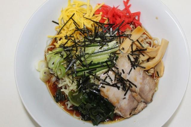 山形来々軒名物 柿酢で作った冷やし中華 麺 たれ こだわりの具材が3食分 東北関東送料無料 クール便 本格的な冷やし中華がお家で食べれる