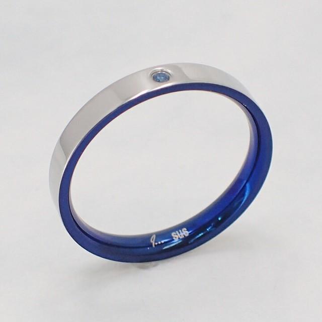選べる8サイズ 送料込み 内側のカラーがおしゃれなリング かわいい 結婚指輪 普段使い サムシングブルー 青 ステンレスリング ペアリング