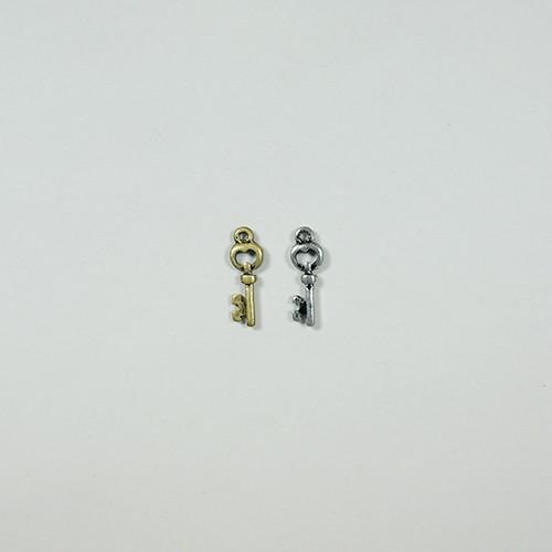 カギ CP-176 2個 キー 鍵 アクセサリー パーツ ペンダント アンティーク チャーム ハート ミニ 材料 手芸 素材