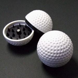 葉タバコ(シャグ)などに使えるゴルフボール型グラインダー/ミキサー