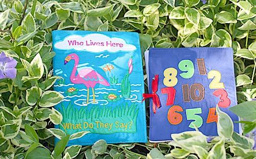 布絵本Who Lives Here What Do They Say? Counting book英語刺しゅう版 プレイ ラーンギフトセット