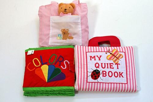 布絵本 MY QUIET BOOK  ピンクストライプ/COLORS SHAPES おまけ付きベビーズバッグ