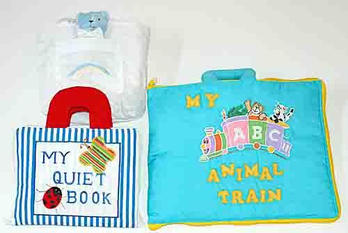 布絵本 MY QUIET BOOKブルーストライプとMY ABC ANIMAL TRAIN ブルーとおまけ付きベビーズバッグ プレイとラーンギフトセット
