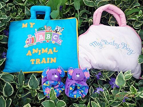 布絵本 MY ABC ANIMAL TRAIN ブルーと布の着せ替えバッグ My Baby Bagとおまけ付きルームシューズ ファンタイムシリーズ 知能開発レッ