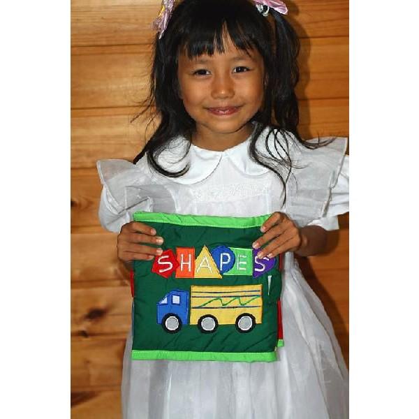 布絵本 知能開発レッスンブック カラーズシェイプス 色とかたちブック 刺しゅう版 幼児教育