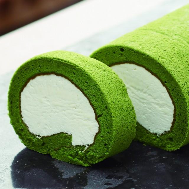 【送料無料】上質石臼挽き宇治抹茶使用のクリームたっぷり!京抹茶ロールケーキ(ハーフ) お中元 お歳暮 お祝い 誕生日におすすめ。