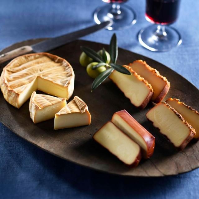 骨のあるチーズギフトセット 石川県 スモークチーズ カマンベール 燻製 胡椒 山椒 産直 お取り寄せ グルメ
