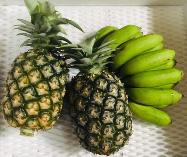 大人気!沖縄産旬の島バナナとハワイ原産・沖縄改良パインのセット