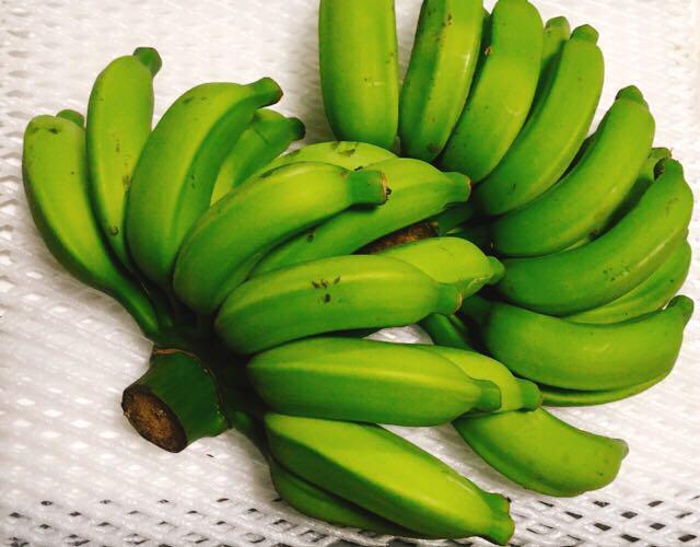 話題のバナナジュースにも!人気の国産バナナ!まったり濃厚!モチモチ美味しい!沖縄産島バナナ 2房