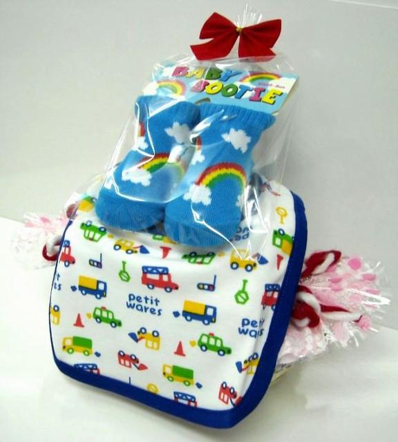 ご出産お祝い<おむつケーキ> リーズナブルなお値段のかわいいおむつケーキ ロールケーキSRK (男の子用) 華やかな見栄えのダイバーケ