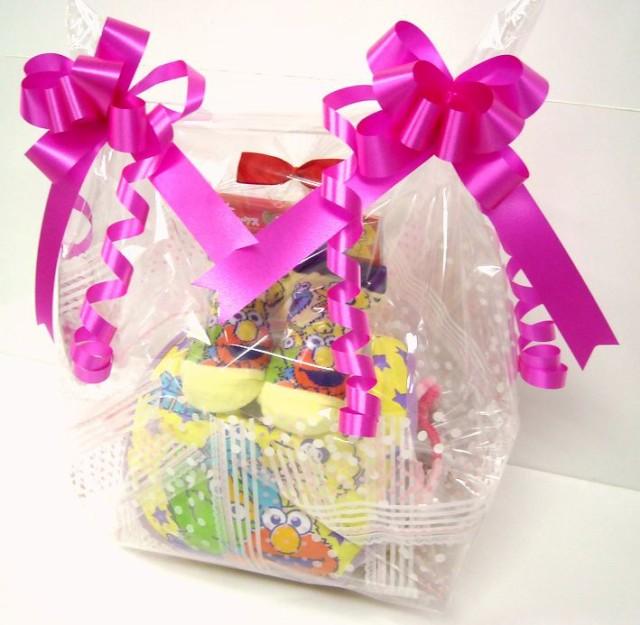 ご出産お祝い<おむつケーキ> リーズナブルなお値段のかわいいおむつケーキ ロールケーキSRK  セサミストリート(男の子 女の子 男女