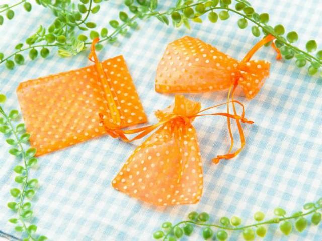 【お盆も発送!】 ジュエリー袋 水玉模様(約10x7.5cm)約50枚 オレンジ オーガンジー ジュエリーケース ポーチ 巾着袋 アクセサリー入れ