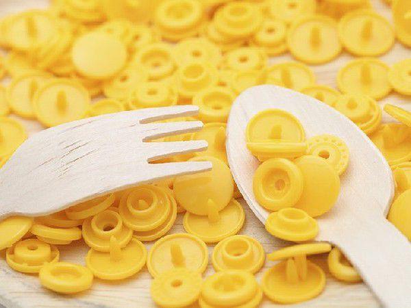 プラスチックスナップボタン(T-5)30組(12mm 黄) ハンドプライヤー 手芸材料 プラスチック製 ボタン 取り付け方 かわいい