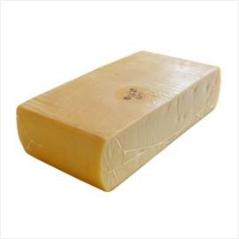チーズ 本場スイス産ラクレット 約2.3kg 【4 100円税別/kg単価再計算】【※現在は丸型から切り出した形となっております】【お中元 ギフ
