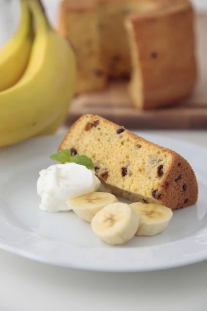 特選米粉のシフォンケーキ(バナナ&チョコチップ)