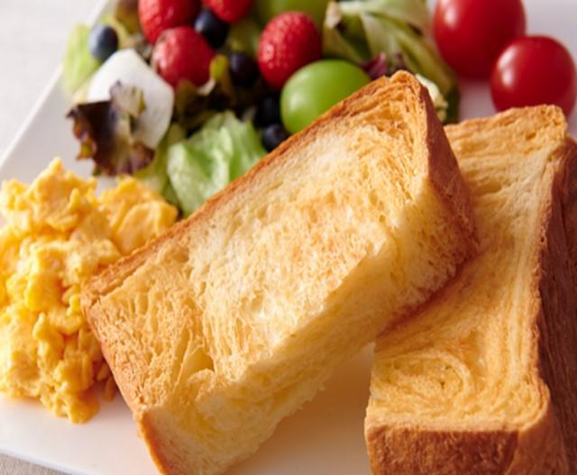 ボローニャ デニッシュ食パン3斤ギフト(化粧箱入) (クーポンご利用可)