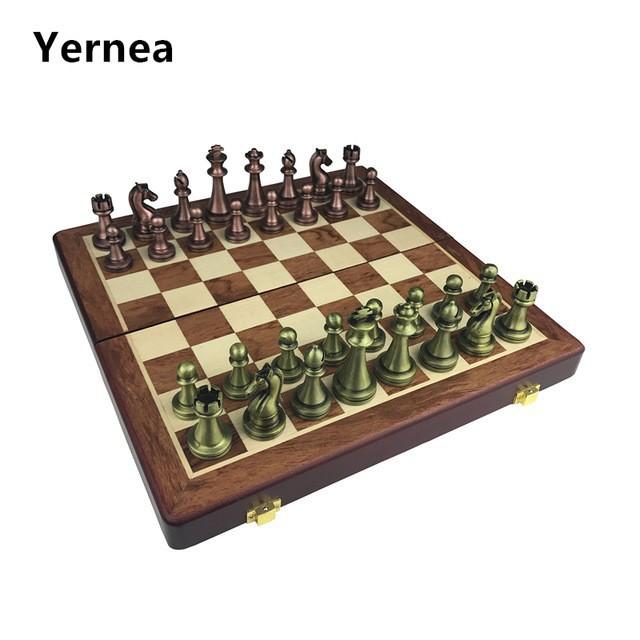 亜鉛合金 古典的な木製チェス ボードチェスゲーム 高品質チェスゲーム