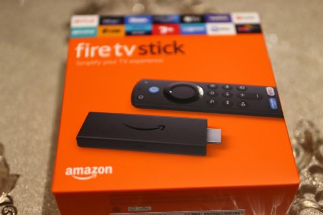 【送料無料】アマゾン Amazon Fire TV Stickファイヤー TV スティック Alexa対応 第3世代 2021年発売モデル【新品・並行輸入品・日本語説