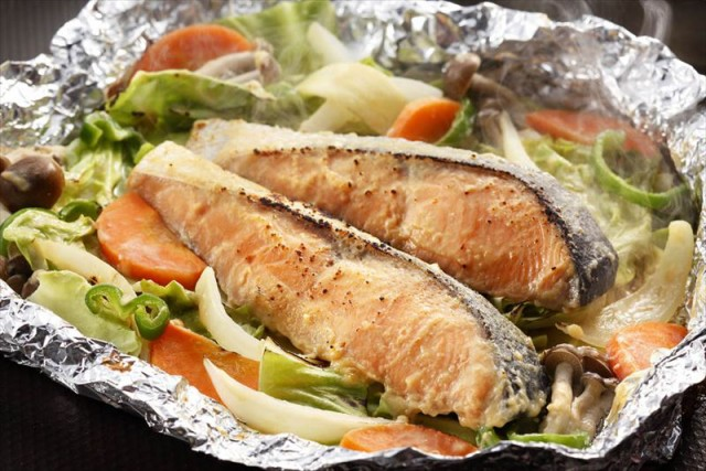 鮭 サーモン 海産品 ギフト セット 詰め合わせ 贈り物 贈答 産直 北海道 知床羅臼 鮭のちゃんちゃん焼き 内祝い 御祝 お祝い お礼 贈り