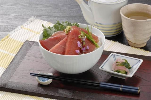 鮪 まぐろ マグロ 海産品 ギフト セット 詰め合わせ 贈り物 贈答 産直 神奈川 「三浦三崎」漬けまぐろ 内祝い 御祝 お祝い お礼 贈り物