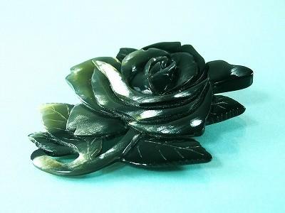 黒水牛 薔薇 ブローチ(のし等ギフト対応無料 )縦80×横70ミリ 大ぶり ペンダントにもなる 2WAY 落下防止シリコン付 ばらの花 おしゃれ