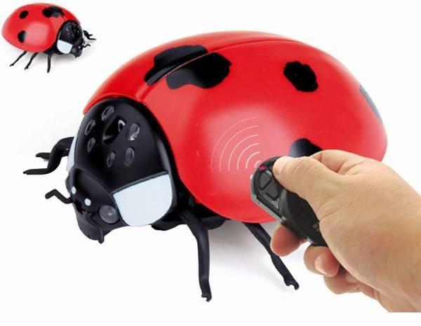 リモコン昆虫 擬似昆虫 てんとう虫/カメ/サソリ/カブトムシ/かまきり/ミツバチ リモコン電子ペット リモコン付き クリエイティブ 電動お