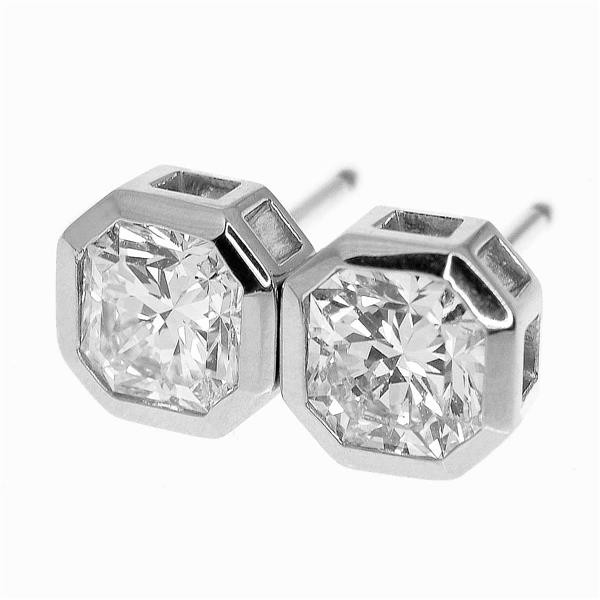 TIFFANY Co. ティファニールシダ ダイヤモンド(1.00ct D-VS1/1.00ct E-VS1) ピアス PT950 プラチナ GIA鑑定書 イヤリング 33040523