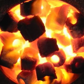 【北海道、沖縄除き送料無料】備長炭 七輪 焼鳥 焼肉 木炭 カット炭 太陽炭10kg