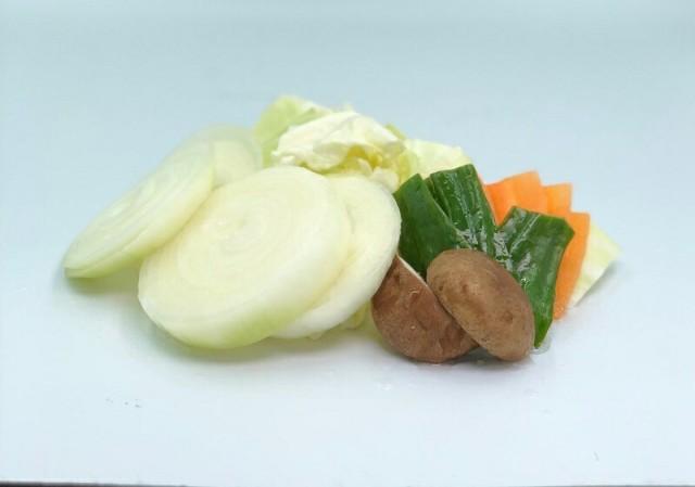 カット焼き野菜セット (玉ねぎ1玉分・ピーマン1個分・人参短冊4枚・しいたけ1個・キャベツ100g) 北海道 野菜 キャンプ レジャー