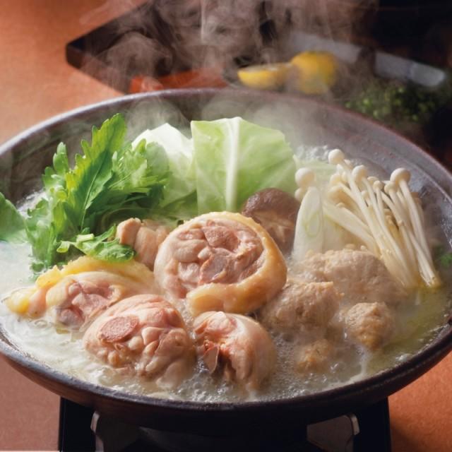 華味鳥の肉質は程よい歯応えがあり、鶏特有の臭いを迎えているのであっさりとした味わいです。博多華味鳥 水たきセット