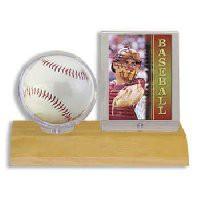 ウルトラプロ(UltraPro) サインボール&カードケース ライトウッド台座 (#81209) Light Wood Base Ball Card Holder