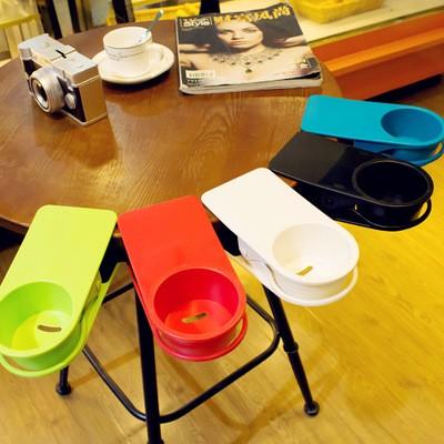 ドリンクホルダー 机 マグカップ ペットボトル クリップ オフィス 事務所 パソコン デスクワーク 飲料 携帯電話 スマホ 充電 使いやすい