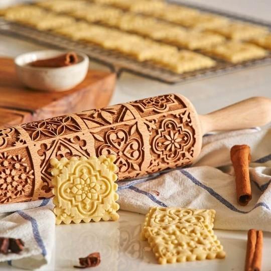 ローリングピン 欧風 クッキーローラー 木製 クッキー型 かわいい めん棒 焼菓子 ビスケット 生地刻ま キッチンツール クッキーギフト