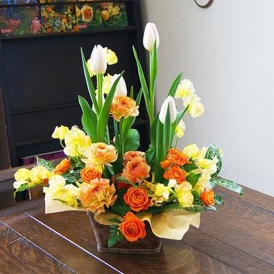 チューリップ フラワーアレンジ 【 チューリップ 春の花 】 誕生日 結婚記念日 ホワイトデー ひな祭り 卒業 入学 送別 鉢植え 寄せ植え